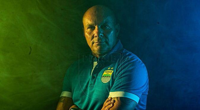 Persib Bandung Resmi Perkenalkan Luizinho Passos dan Victor Igbonefo
