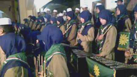 drumband-Al-Muchtariyah-Babussalam