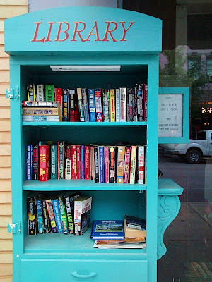 Outdoor Library | Sincerely Loree | Lifestyle Blog