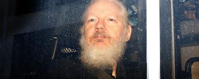 Julian Assange, do WikiLeaks, é condenado por violar Lei de Espionagem