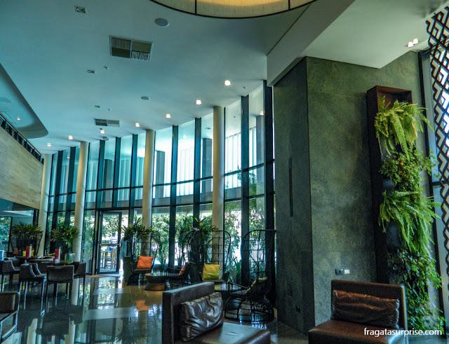 Lobby do Hotel Deville Prime, em Campo Grande (MS)