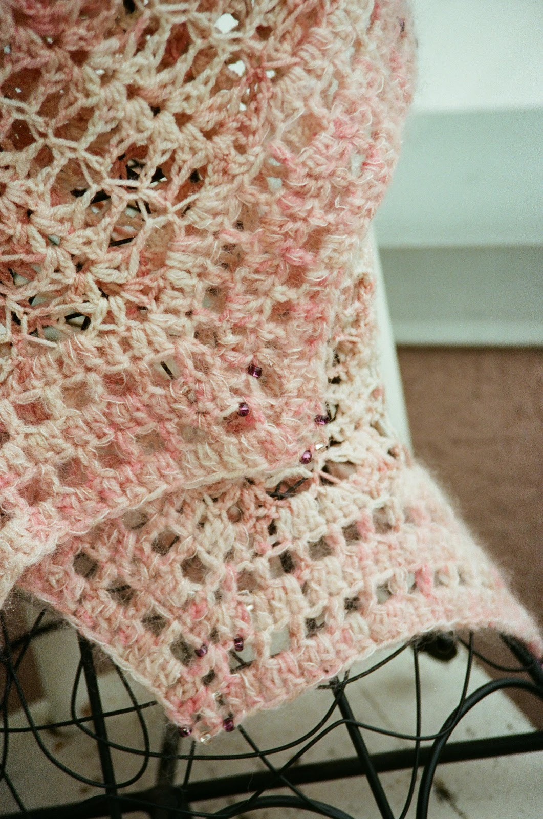 e070ef3dfd While I've recently written about my creative process, I've not really  dwelled on my crafting skills. There is no doubt, however, that 2010 saw my  crochet ...