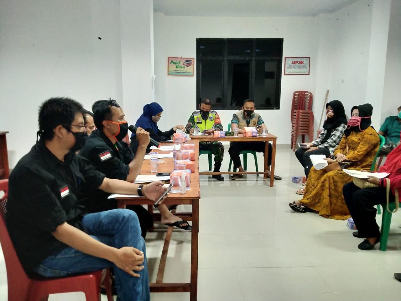 Babinsa Kelurahan Campang Jaya Koramil 410-01/Panjang Kodim 0410/KBL Sertu Agus triawan menghadiri rapat pleno DPSHP