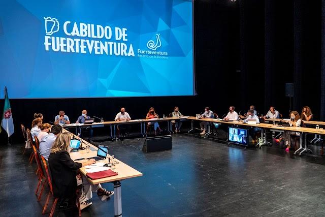 El Pleno del Cabildo de Fuerteventura  reclama delimitar El Banquete y Baja de Amanay como zonas prohibidas para instalar parques eólicos