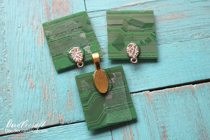 Upcycled Motherboard Pendant with Earrings Set using Resin!