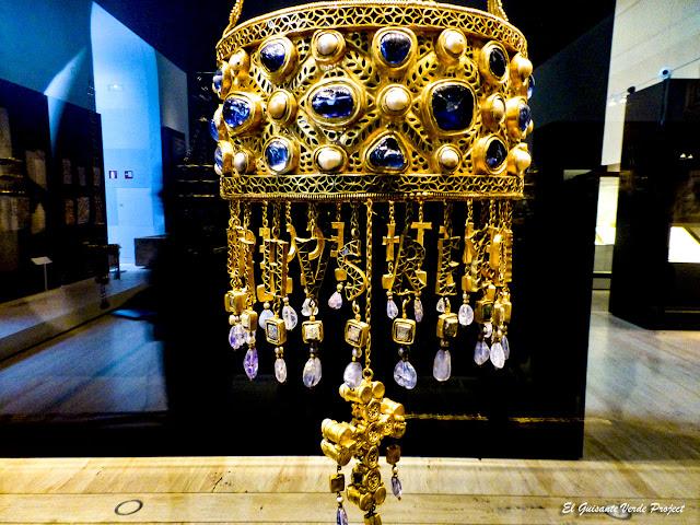 Corona Recesvinto en Museo Arqueológico Nacional, Madrid por El Guisante Verde Project