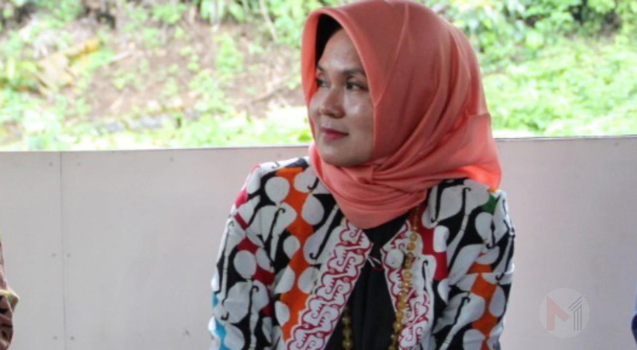 DR. Tantri Bararoh Nahkodai Ikatan Sarjana Rakyat Indonesia (ISRI) Kabupaten Malang