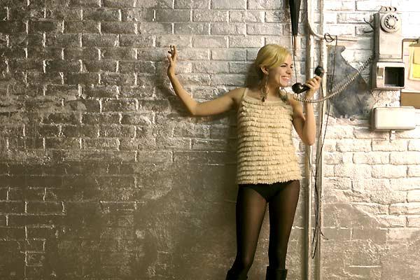 Fall Down Wallpaper Bohochic Ago Film Inspo