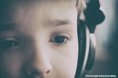 Chi sono gli idoli dei nostri figli? Che canzoni ascoltano?