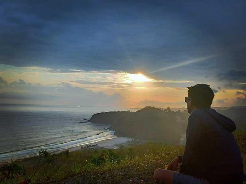 Pantai Modangan Malang Selatan