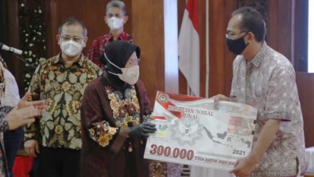 Bansos Disetop karena Tak Ada Anggaran, HNW: Suntik Jiwasraya  Rp 20 T Saja Berani
