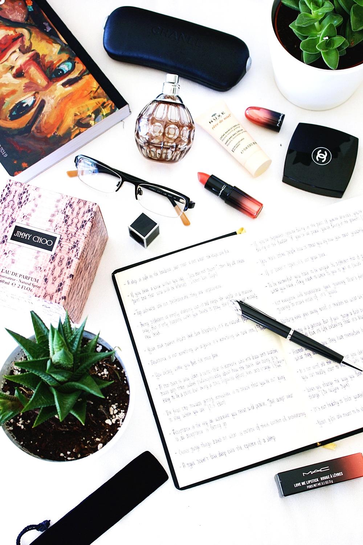 lifestyle flatlay photography; bossbabe lifestyle inspo; lifestyle blogger inspiration