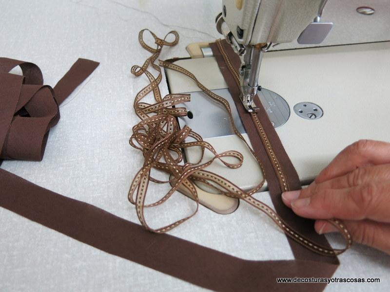 como adornar un vestido con cintas
