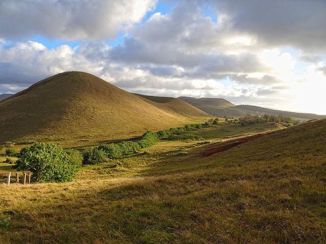 EASTER ISLAND - A LESSON IN ENVIRONMENTAL EXPLOITATION