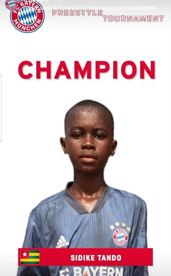 Le jeune prodige togolais Sidibe remporte le concours free style Bayern Munich
