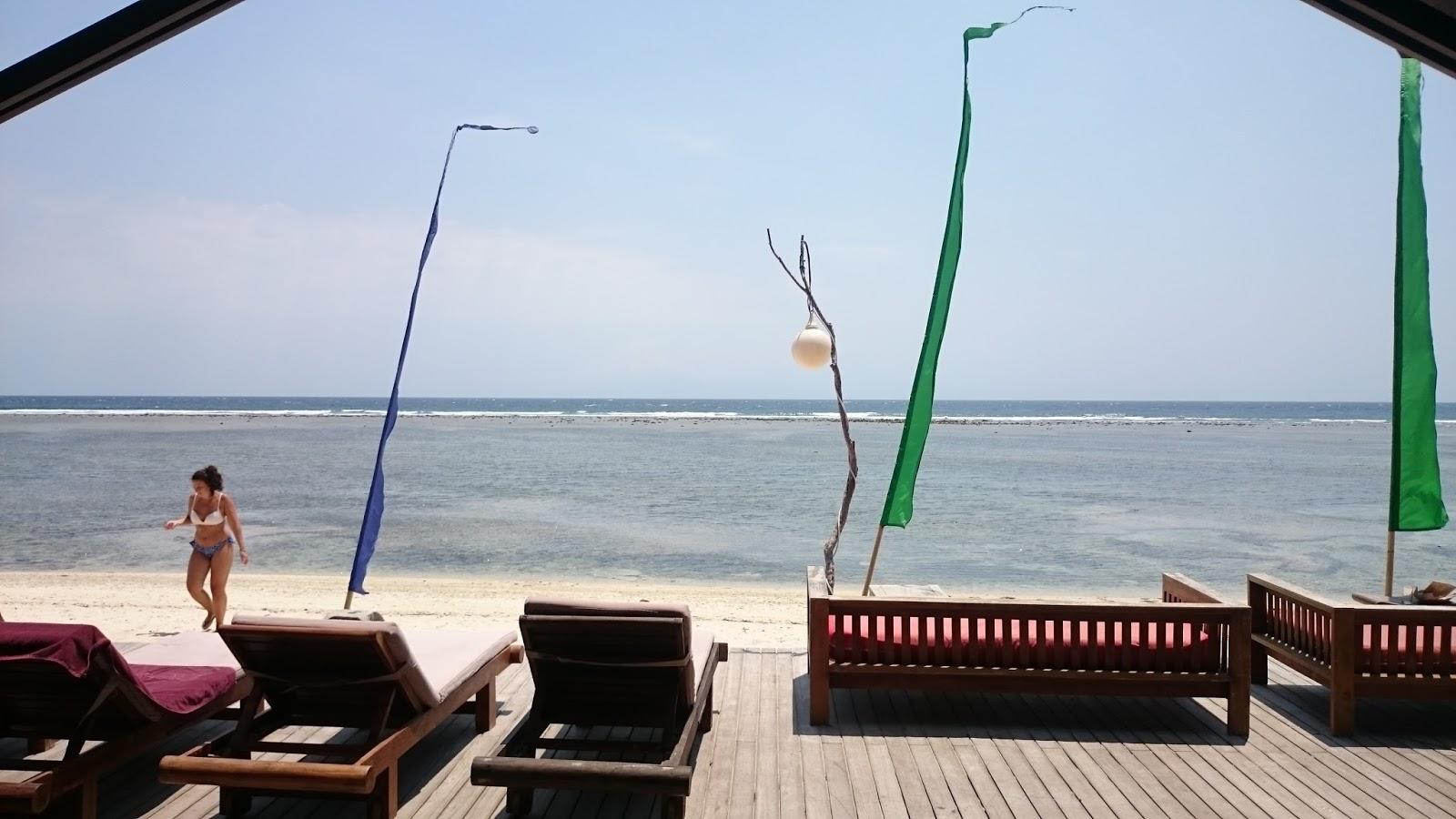 Globe Nomad Rider Aston Sunset Beach Resort Gili Trawangan