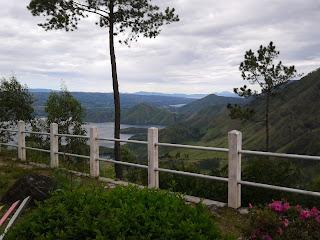 Pemandangan Danau Toba dari Tele
