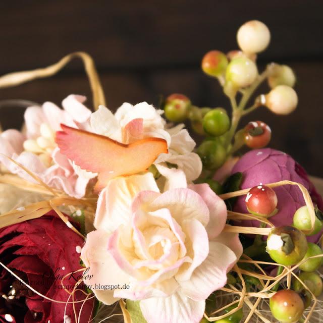 @olgakolov @scrapberrys #giftwrap #summer #flowers #beeren #chipboard #ombre #scrapbooking #craft