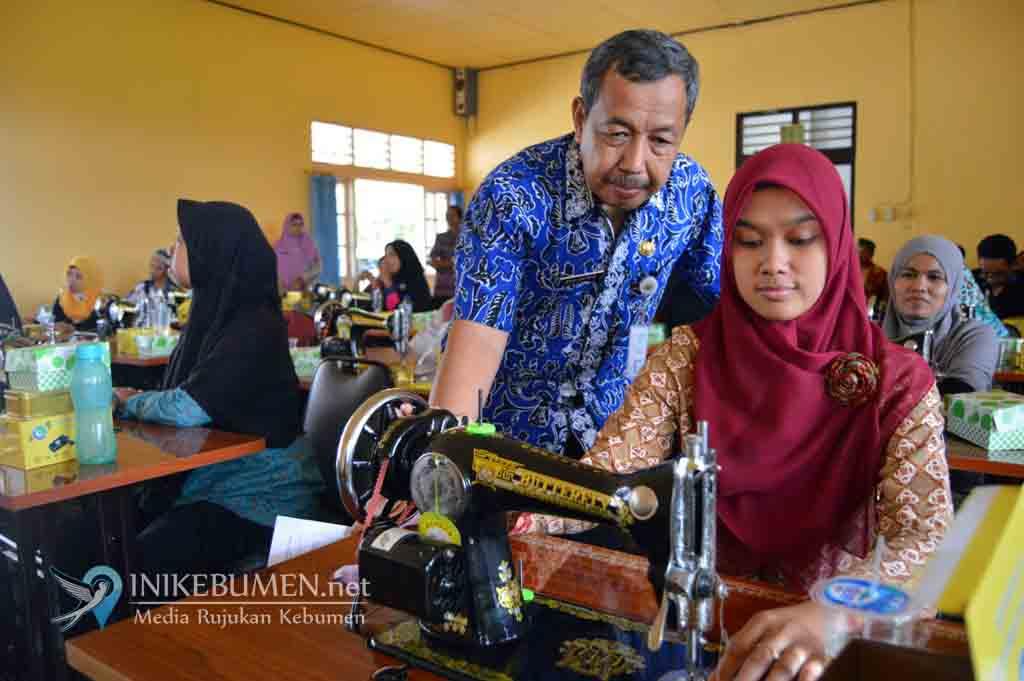 Penyandang Disabilitas Ikuti Pelatihan Menjahit