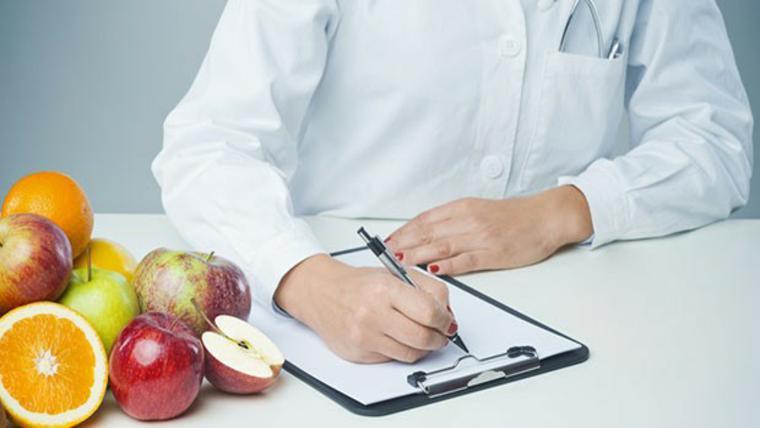 Curso gratuito de Introdução à Nutrição Clínica