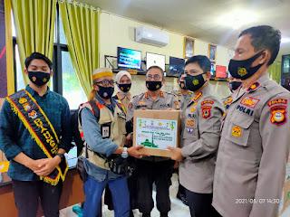 Jelang Lebaran Idul Fitri 1442 H,  Polda Sulsel Bagikan Paket Lebaran  Kepada Wartawan