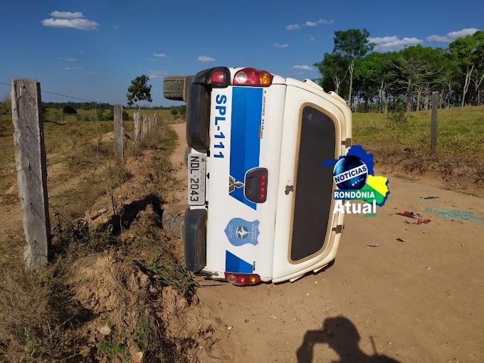 Vagabundos provocam acidente com viatura, ao tentar jogar drogas no presídio, em Ji-Paraná