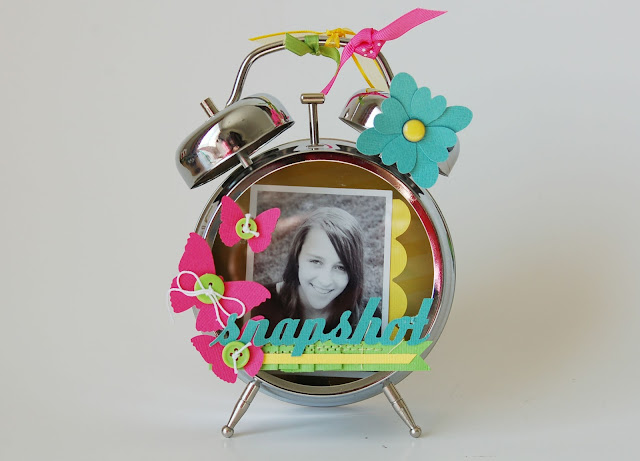How to alter a clock for a teen's room. #teenroomdecor #papercrafting