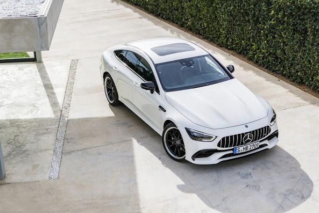 Đánh giá Mercedes Benz AMG GT 53 4MATIC 2020
