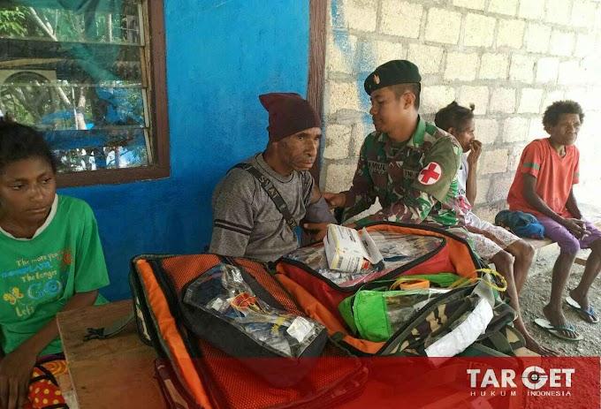 Wujud Kepedulian Satgas Raider 300 Adakan Pengobatan di Distrik Waris