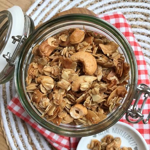Kokos-Cashew-Granola