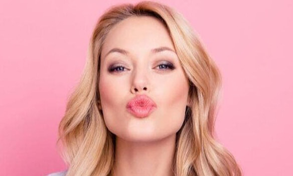 10 Natural Tips to Make Your Lips Pink and Soft