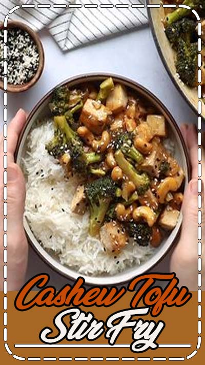Cashew Tofu Stir Fry- this easy to make vegan stir fry is a meal that everyone will love AND it makes for a great meal prep recipe! #vegandinner #veganmealprep #stirfry