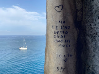 Boat and graffiti - Porto Venere