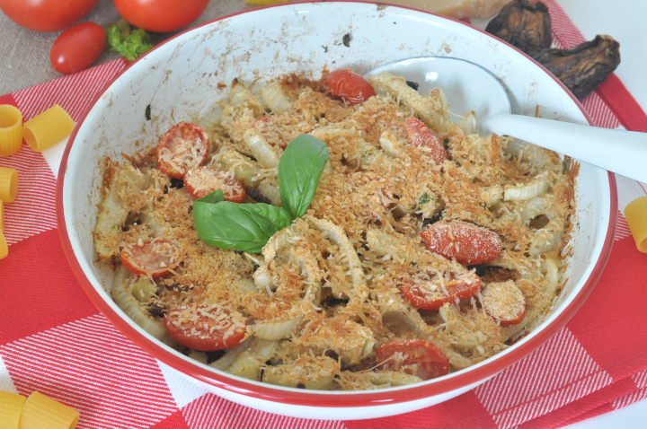 Gratinated fennel with tomatoes, thyme and garlic - the taste of summer