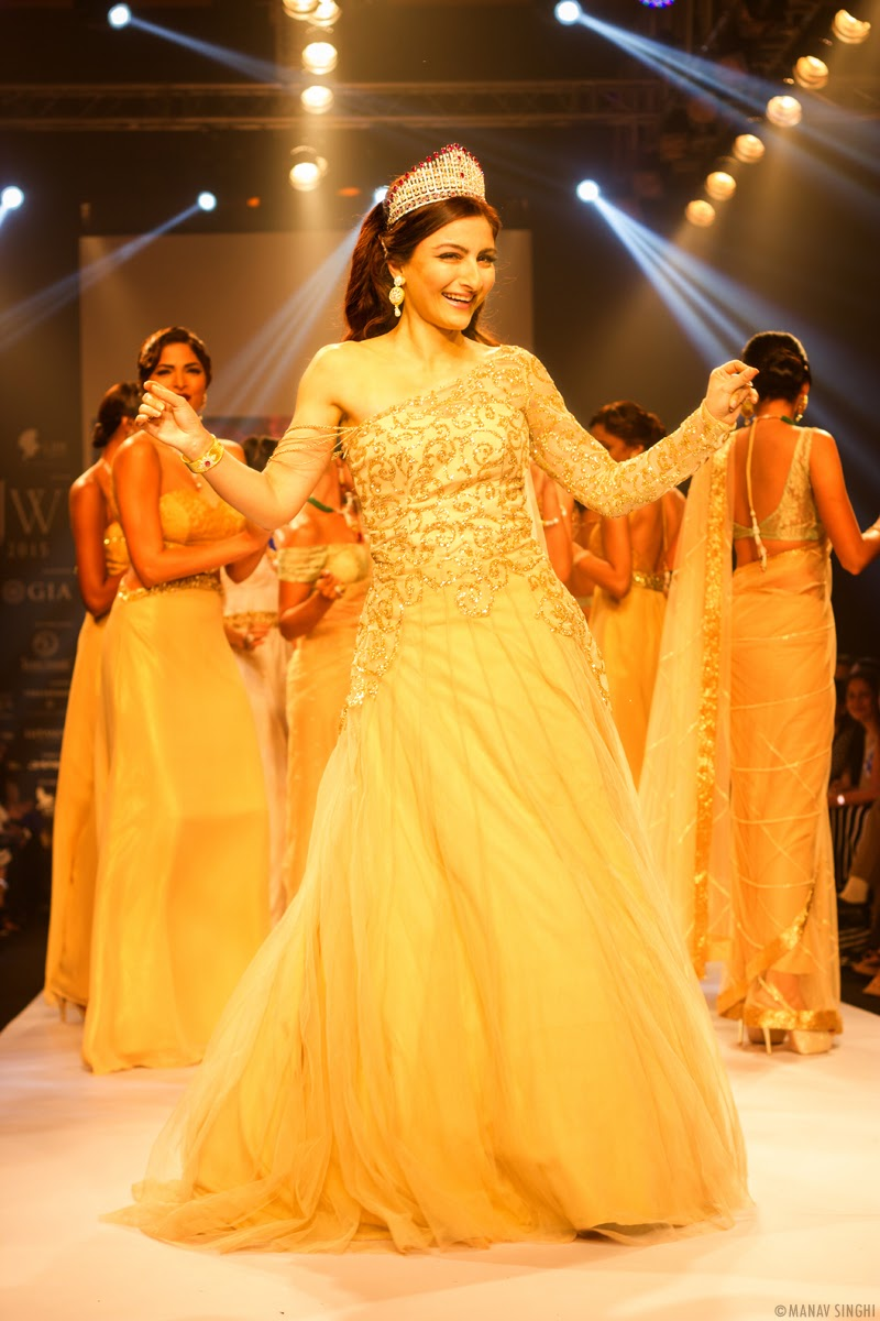 Soha ali khan India International Jewellery Week Mumbai