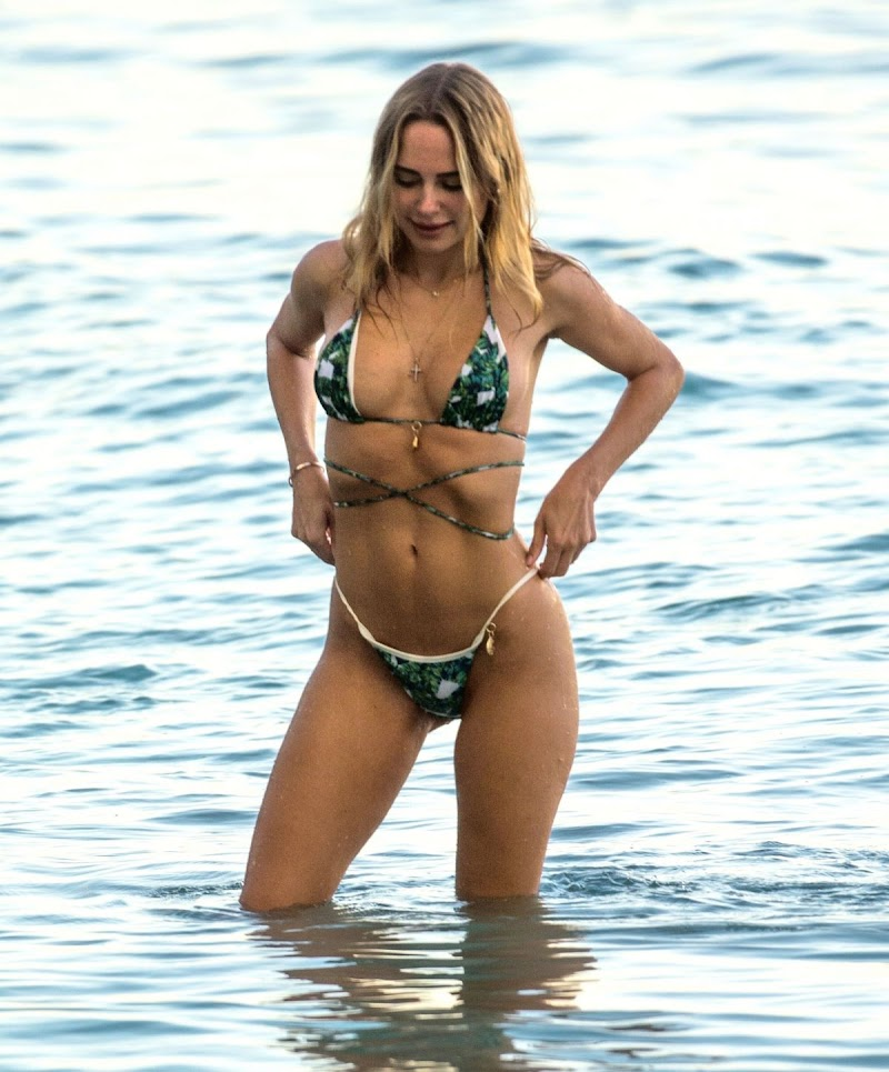 Kimberley Garner Clicked in a Green/White Patterned Bikini at a Beach in Barbados 22 Dec-2020