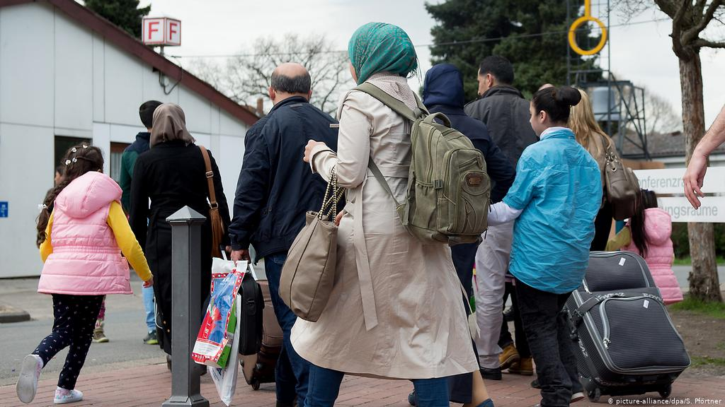 Germany's Seehofer warns refugees who take Syria vacations!!