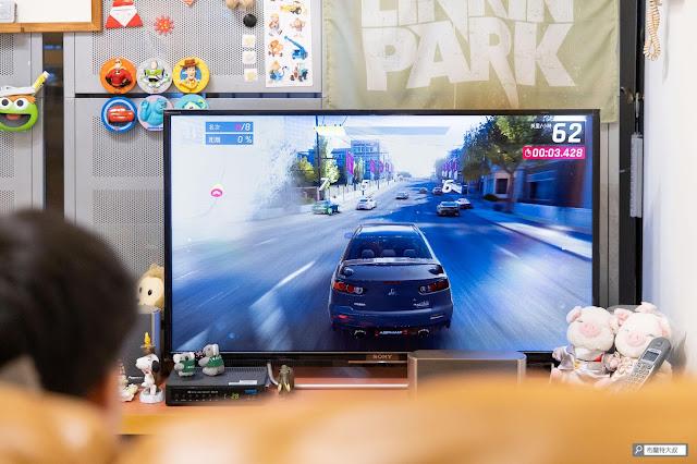 【生活分享】大手使用 Joy-Con 的救贖,Switch 原廠方向盤套件 - 客廳實戰「狂野飆車」