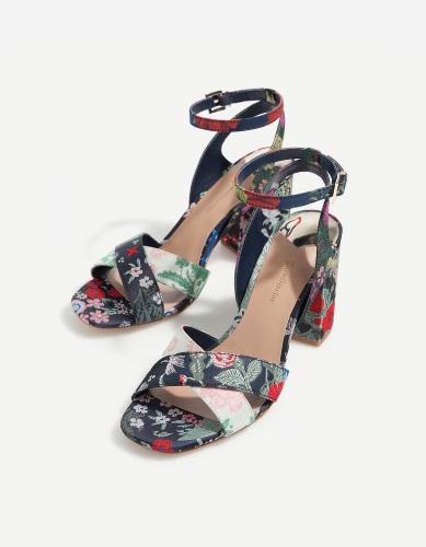 zapatos de tacón Stradivarius