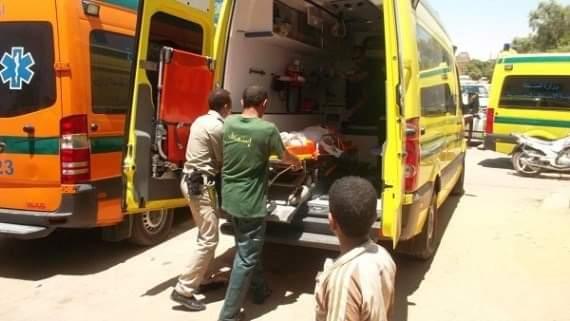 إصابة طفل 3 أعوام صدمته سيارة نقل أمام منزله في سوهاج