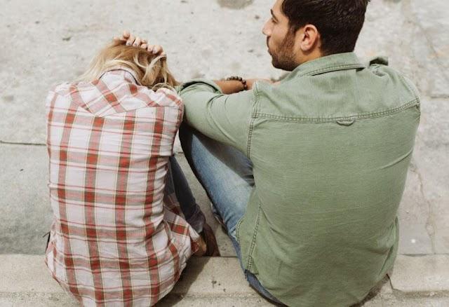 5 Cara Mengatasi Pacar yang Suka Bersikap Kekanakan dan Gak Pengertian
