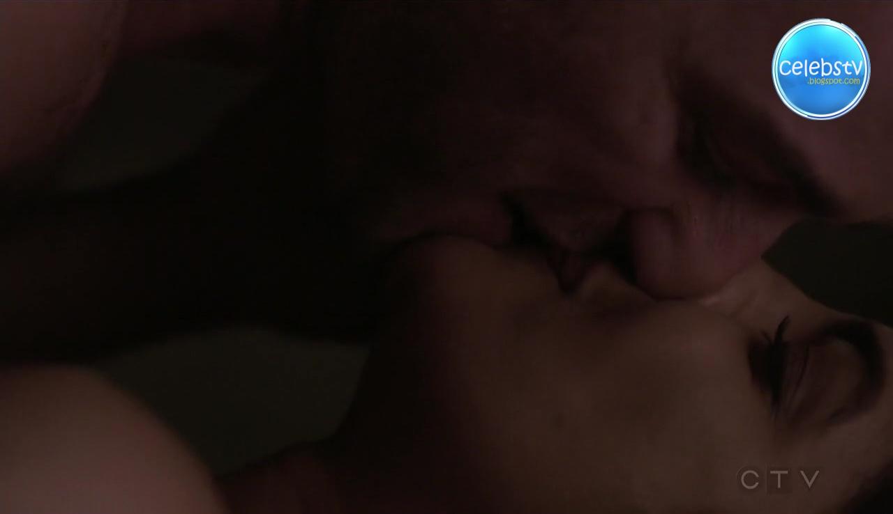 Priyanka Chopra Hot Lipkiss Smooch And Bed Scene In -3293