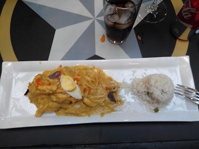 Ají de gallina en Lima Perú