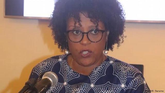 Guiné-Bissau | Ex-ministra impedida de viajar refugia-se em embaixada