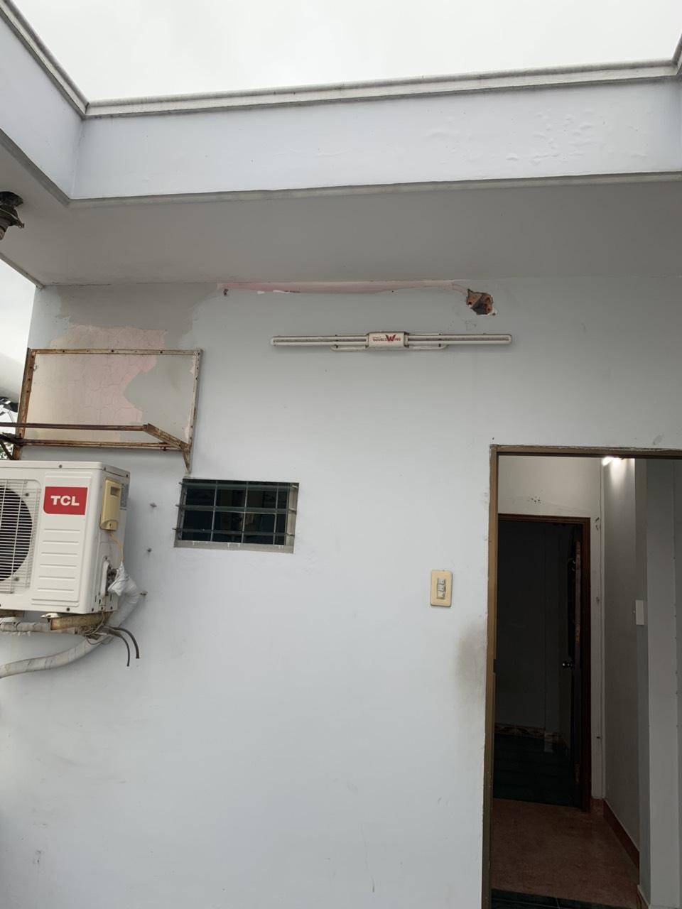 Bán nhà đường Nguyễn Biểu phường 2 Quận 5. Dt sàn: 70m2 có 2 lầu sân thượng