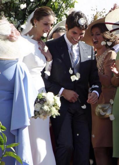 El 6 de Noviembre 2015 se celebró en España la boda del torero Cayetano  Riviera y la ex Miss España Eva González. 3ba223e273a