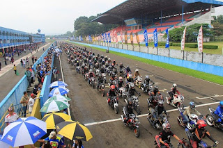 Sunday race with 1000 Vixion