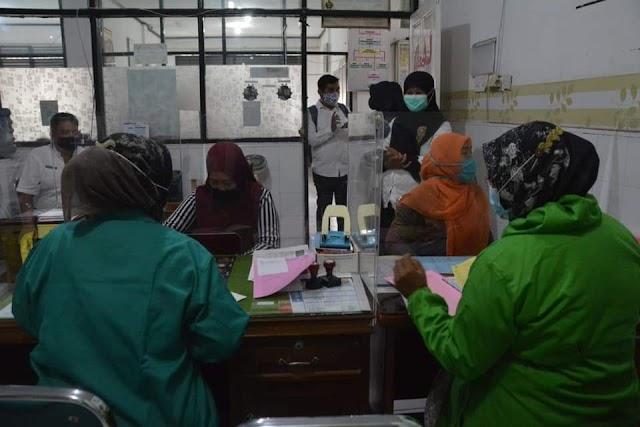 Di Hari Kartini, Pasang KB Gratis di Padang Panjang