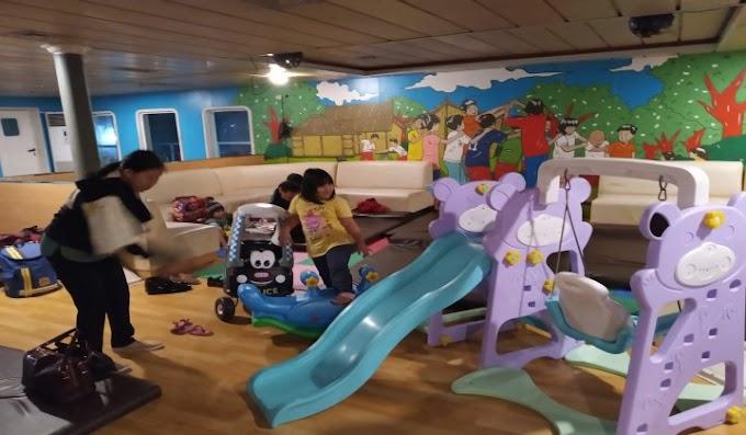 Orang Tua Terbantu Adanya Playground Corner di Ruangan Lesehan KMP Batu Mandi