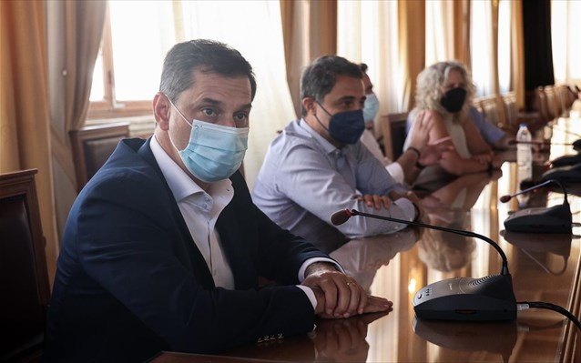 Θεοχάρης από Ηράκλειο: Ο τουρισμός είναι ο γιατρός της οικονομίας